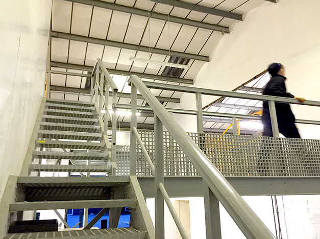 Designed to be long lasting with a high strength to weight ratio, gantry walkway installation.